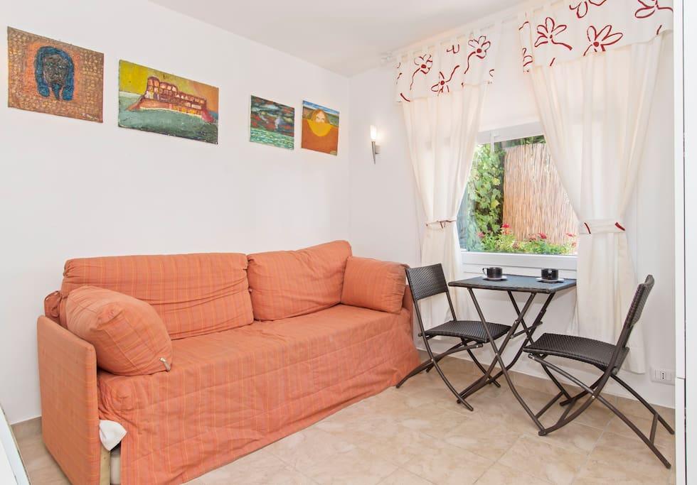 Main space (living room or bedroom)