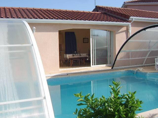 Gite privé avec piscine