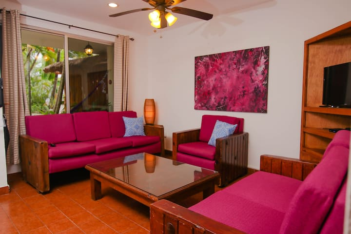 Vibrant 3 Bedroom Villa on  Cozumel Island. V3