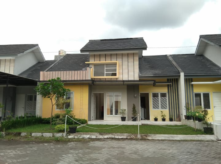 Arunahome Family Guesthouse