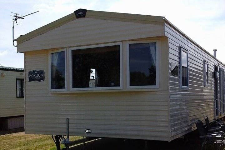 Allhallows caravan for rent