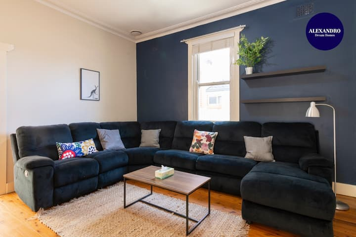 PET FRIENDLY FAMILY HOME WILLOUGHBY