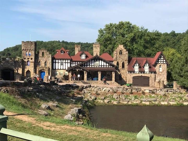 Twin Turret Farm and Castle