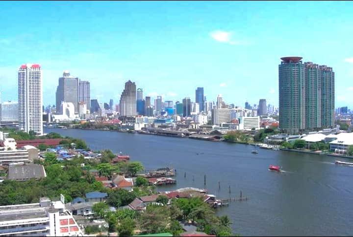 The most Beautiful river view Bangkok,CBD,wifi