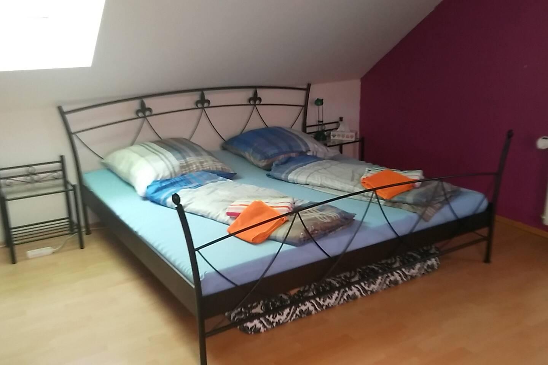Schönes Kuscheliges Doppelbett 2mx2m