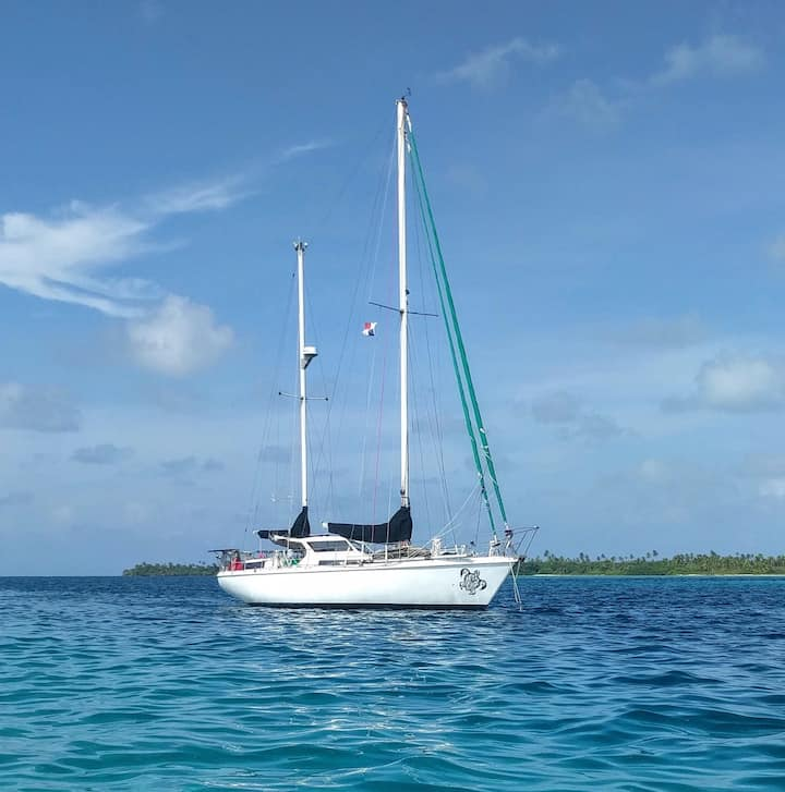 PRIVATE Luxurious Sailboat in San Blas Islands
