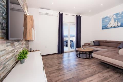 Ny luksuslejlighed - fantastisk udsigt over Split (1)