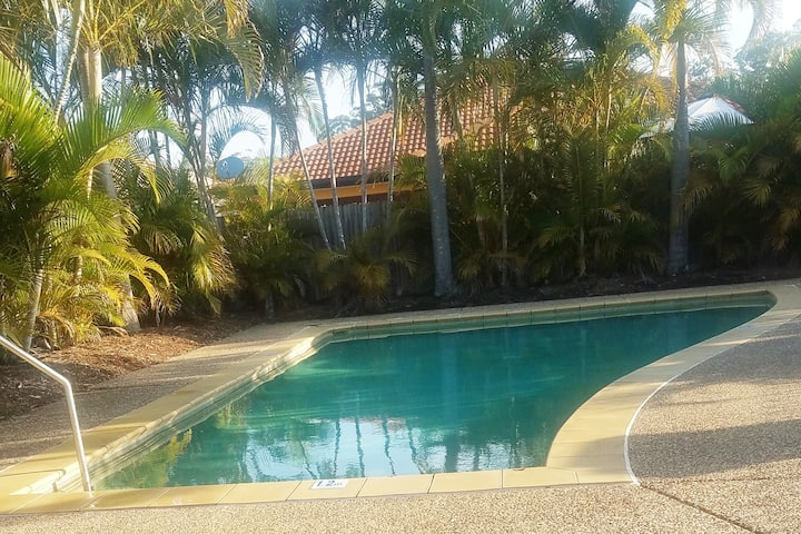 Relax in a Quite Gated Complex close to everything