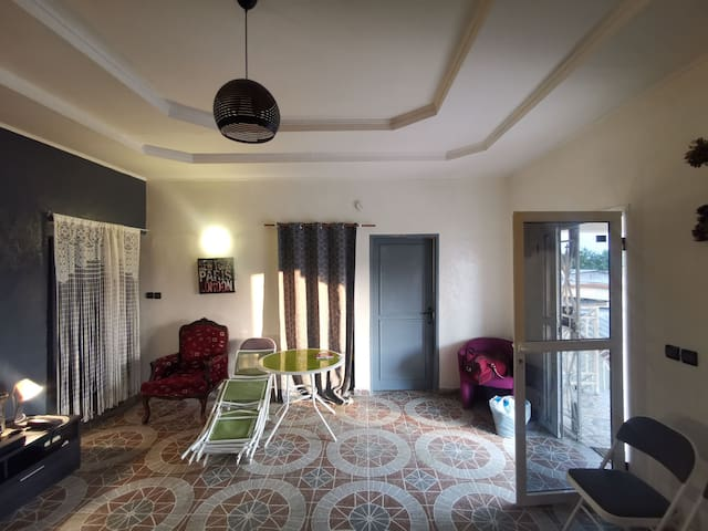 Chambre dans un appartement meublé et calme