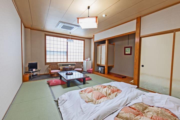 Relax in Azumashiya.Enjoy Aomori & natural Onsen!