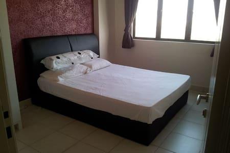 Puchong Jaya_Master room for Rent - Puchong - Appartement