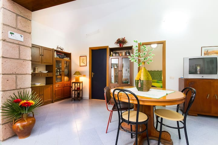 A pretty and cool country house - Sant'Antioco - บ้าน