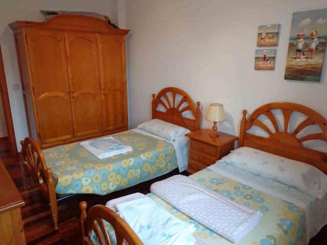 Loredo Somo Piso 2hab a pie playa Urb. Privada - Loredo - Apartment