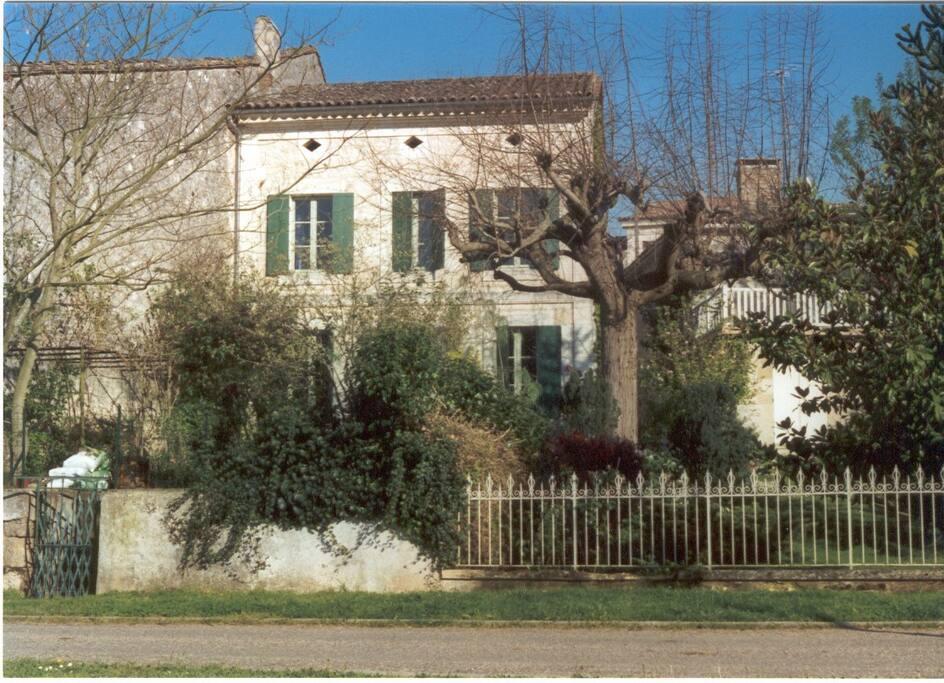 quai view of the house