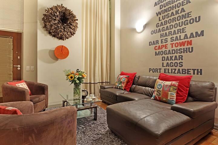 AfriNest Lounge