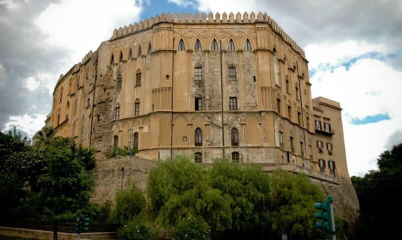 Norman Palace Apartment