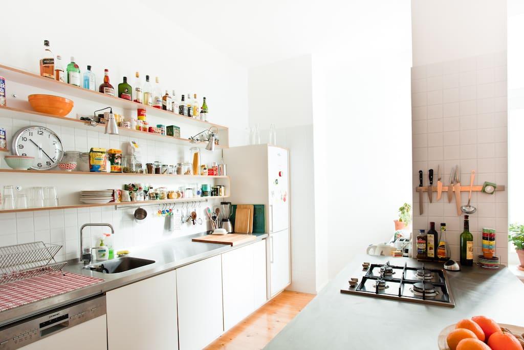 :: open-plan kitchen & dining area ::