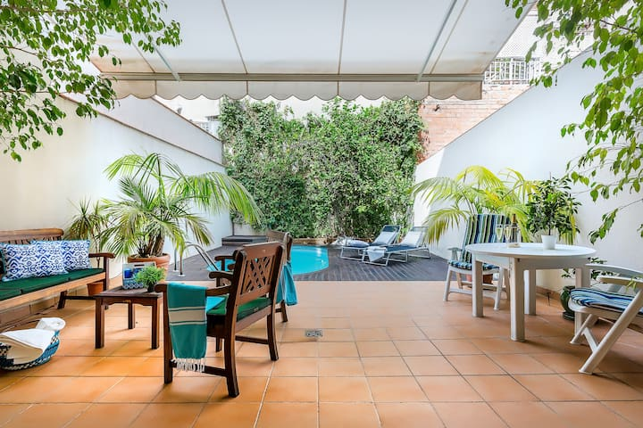 Super Room with Terrace and private pool, Gracia - Barcelona - Hus