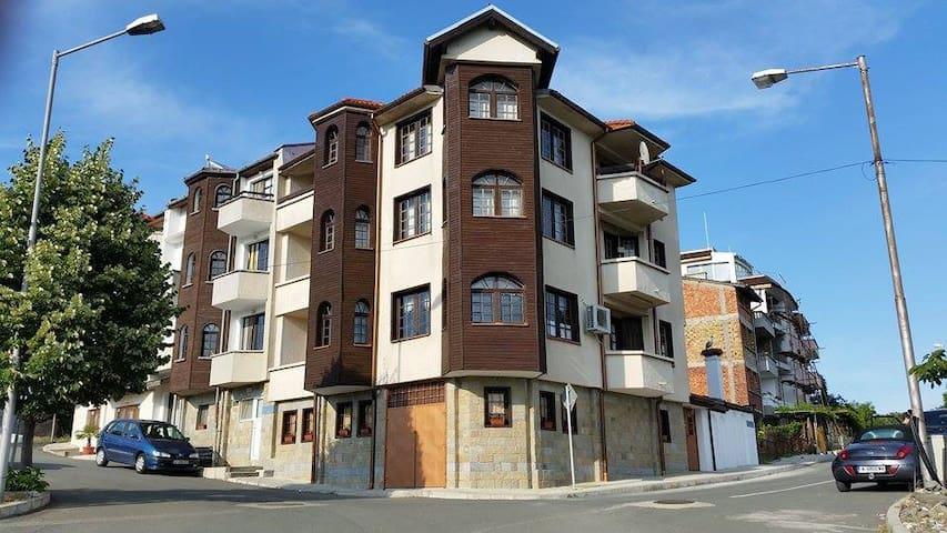 Apartments Vasiliko Tsarevo - friends & families