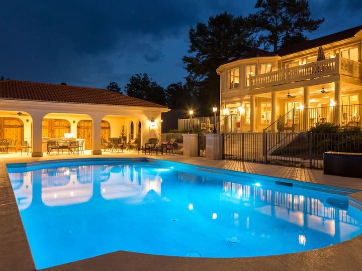 Heated Pool, 22 seat table, Lake Front, Elevator, Pontoon, Theater, 12k sq ft