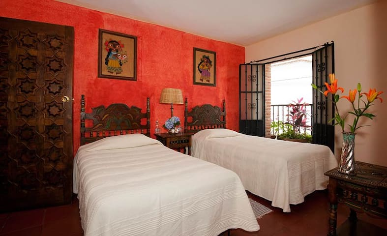 Charming B&B in the heart of Taxco - Taxco - Bed & Breakfast