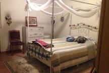 4 Zimmer Wohnung komplett und privat - 4 Room Apt