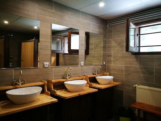 El baño compartido