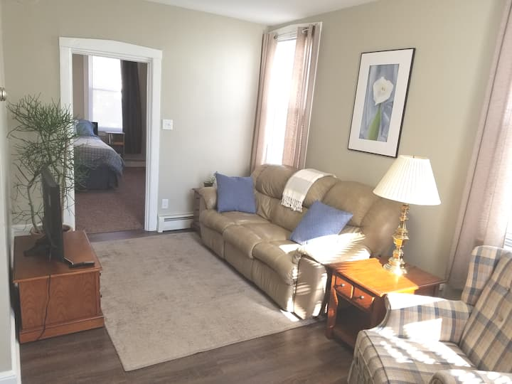 Comfortable one bedroom with parking