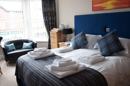 Luxury Bed and Breakfast - Blackpool - Bed & Breakfast