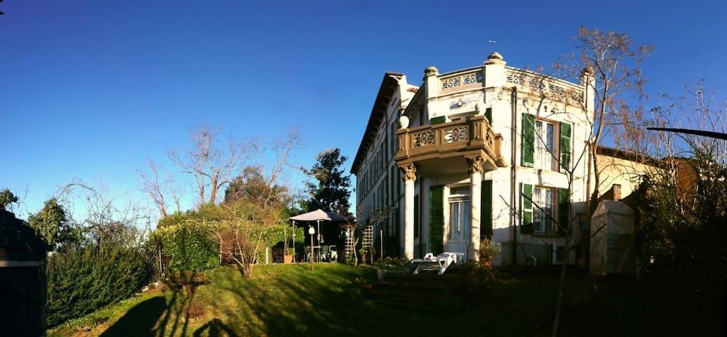 Villa padronale colline Oltrepo, PV - Montù Beccaria