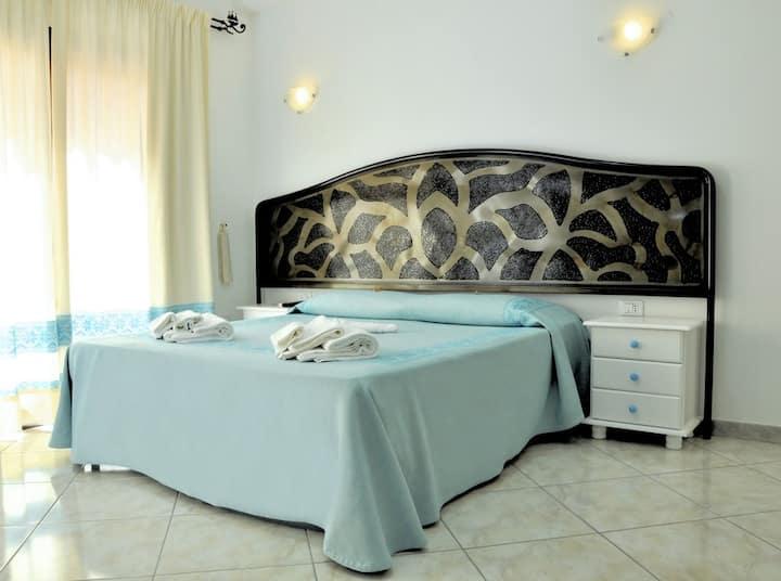 camera matrimoniale/doppia+bagno privato+colazione