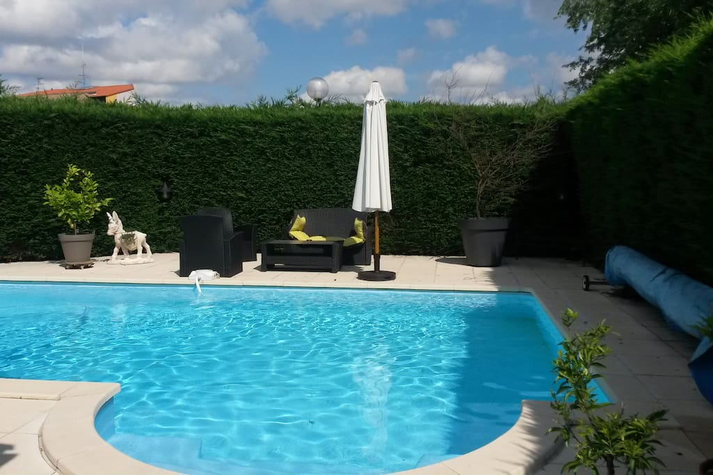 Villa piscine pres toulouse houses for rent in colomiers for Piscines colomiers