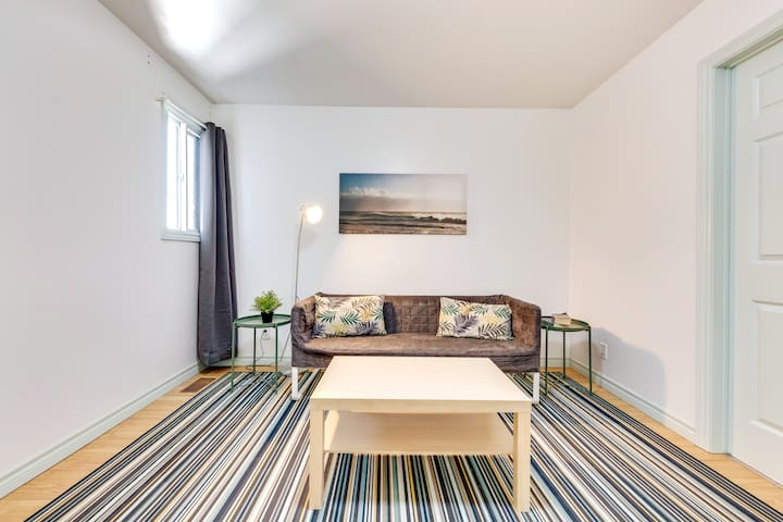 1 BR Bright & Renovated Apt-right beside Subway