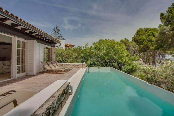 Villa Cala Padri: Haus an der Küste