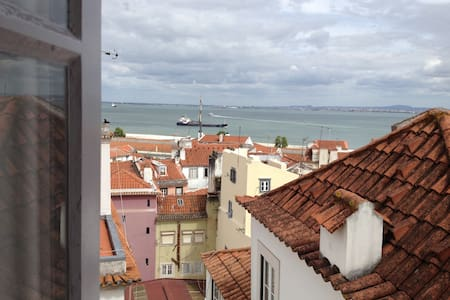 Cozy flat with a marvelous view  - Lisboa