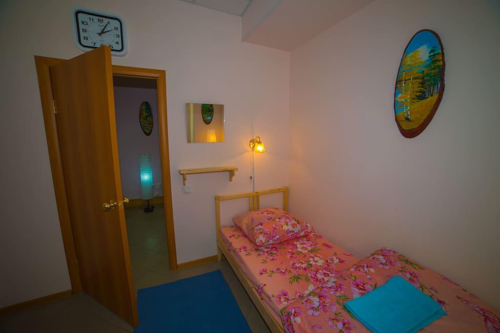 Двухместный номер с двумя раздельными, одноярусными кроватями. 750р.