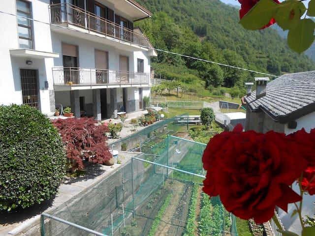 Eco House A Sulì: Tra Monti e Laghi - Seppiana - Rumah