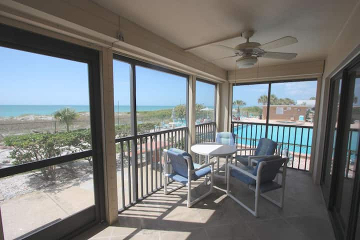 Rare Beachfront Ground Floor, Patio, Pool, Hot Tub, Tennis, W/D, Free Cable & Wi-Fi-108 Reflections