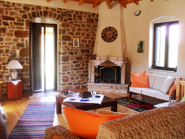 A Peacefull Cottage In Arkadia!!! - Σαρακίνι - Casa