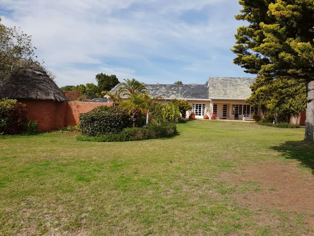 Large spacious house in the eloquent suburb of Walmer. This house is situated in a quiet Cul - de Sac.