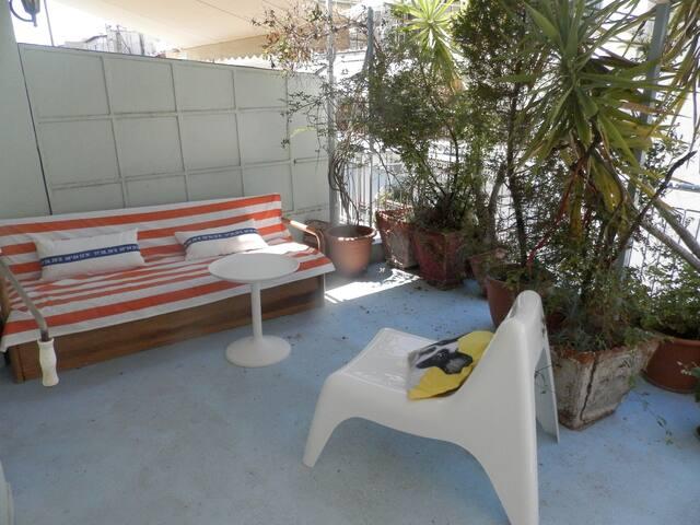Τhe balcony- Βεράντα