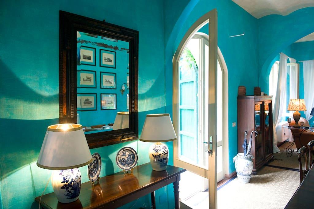 Turquoise sitting room