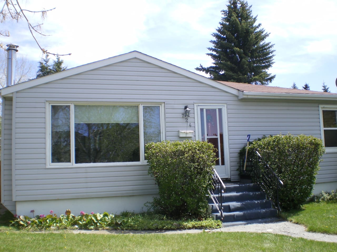 Home Away from Home - Bungalow in quiet neighbourhood of Parkdale