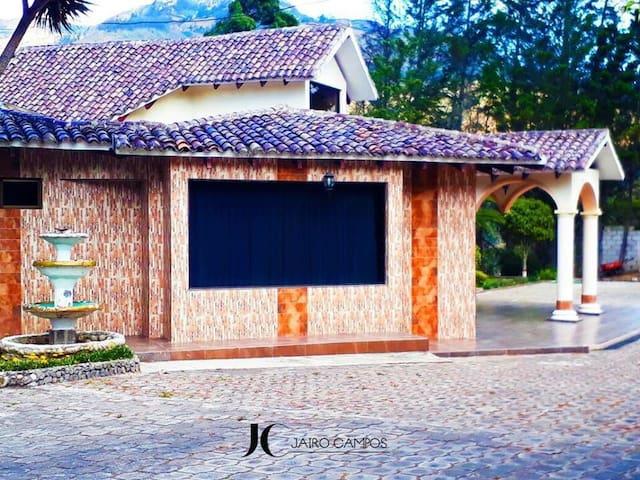 Quinta de lujo  Jairo Campos