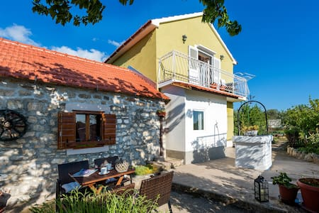 Peaceful house in nature nearby National Park Krka