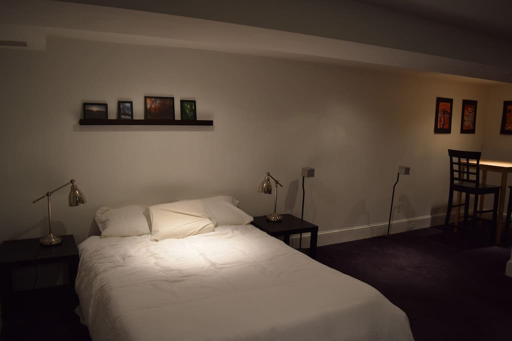 Enjoy sleeping on the queen size bed with memory-foam mattress