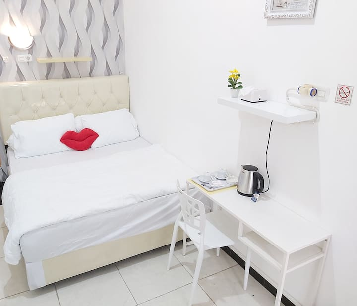 Minimalist and Clean Room in Sukarami
