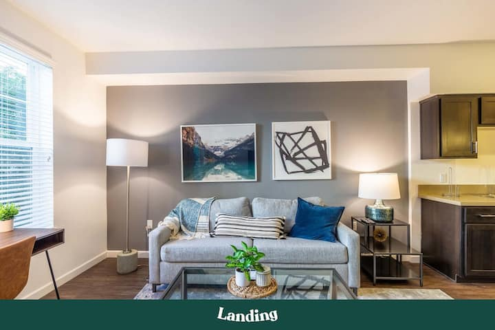 Landing | Modern Apartment with Amazing Amenities (ID3507)