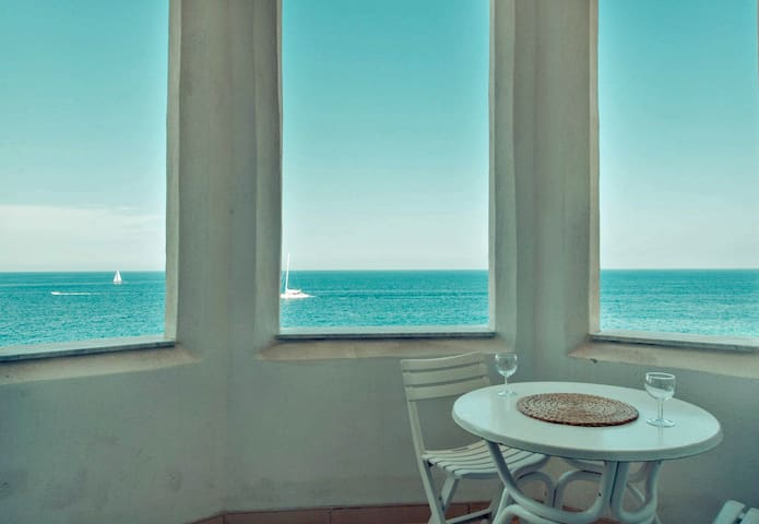 ★Charming Seafront 3BR★ CLEANING PROTOCOLS ADOPTED