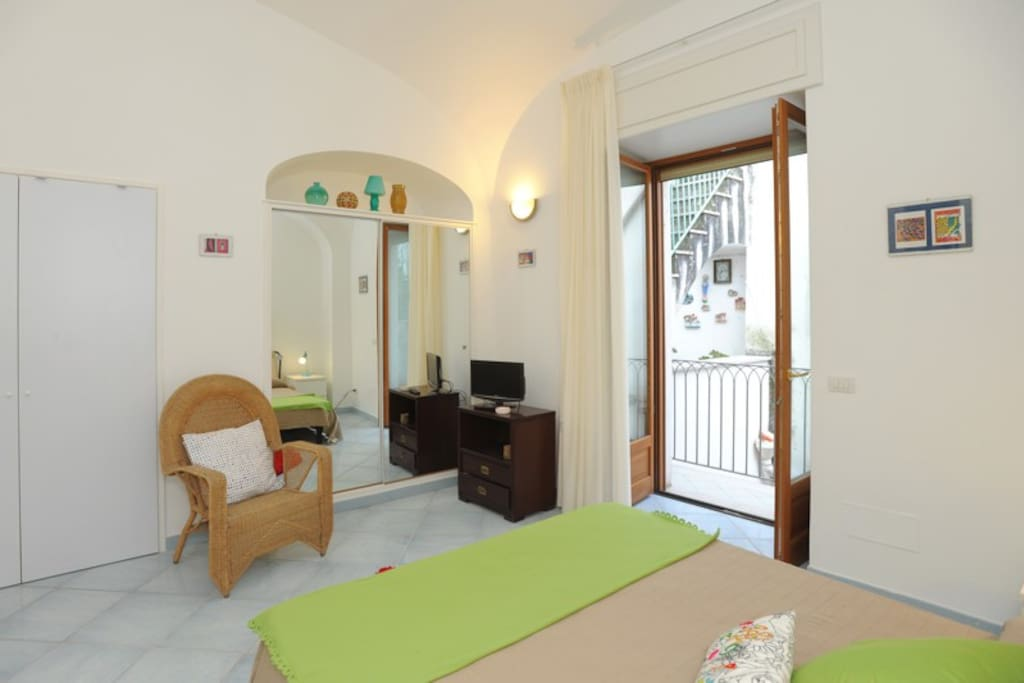 Apartment moonlight amalfi town apartments for rent in for Apartments amalfi